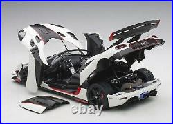 Autoart 1/18 Koenigsegg Un 1 Blanc/Carbone Noir/Rouge PVC Neuf