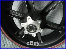 Neuf Buell Xb 1125 1125CR Piranha Noir avec / Rouge Roue Arrière G0309.02A8BYDC