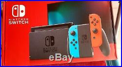 Nintendo Switch 32 Go Console avec Paire de Joy-Con Bleu/Rouge + Jeu Neuf